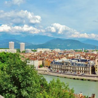 https://www.agoyoga.fr/wp-content/uploads/2020/04/Grenoble-scaled-320x320.jpg
