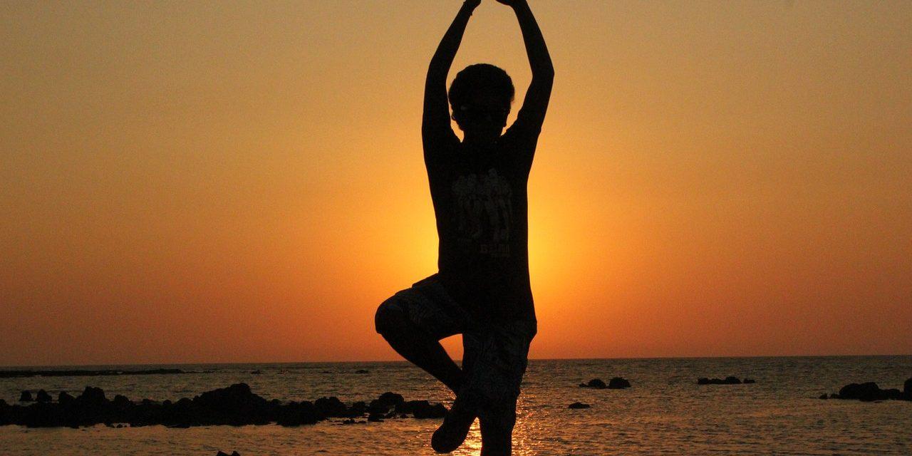 https://www.agoyoga.fr/wp-content/uploads/2020/04/yoga-prenatal-1280x640.jpg